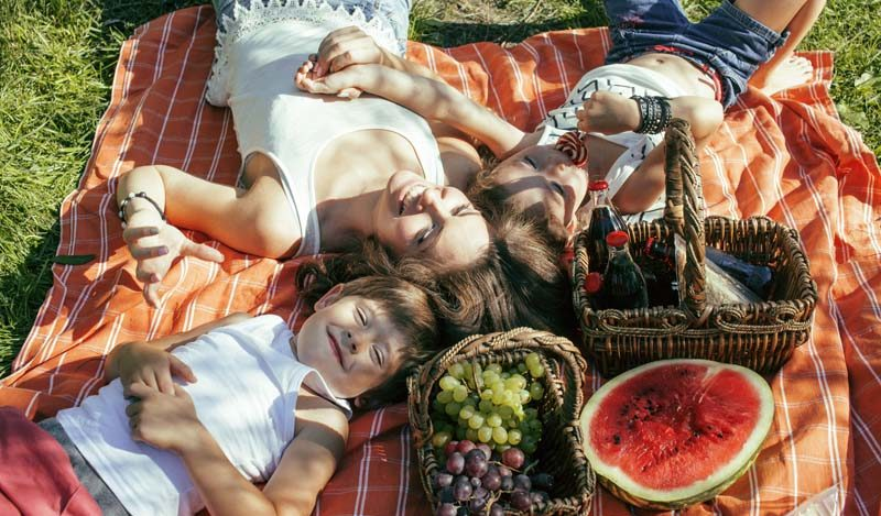Accmmodation-Manly-Explore-People-on-picnic-blanket